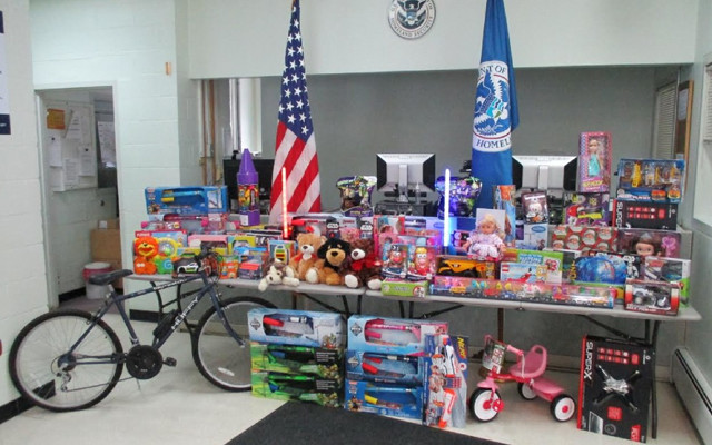 Toys For Tots Border : Madawaska port of entry officers share holiday spirit
