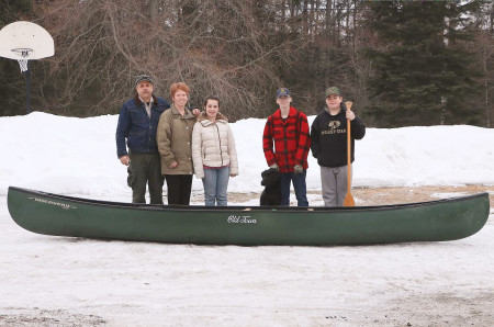 Sportsman s show draws more than 3 000 visitors for Maine fish and game